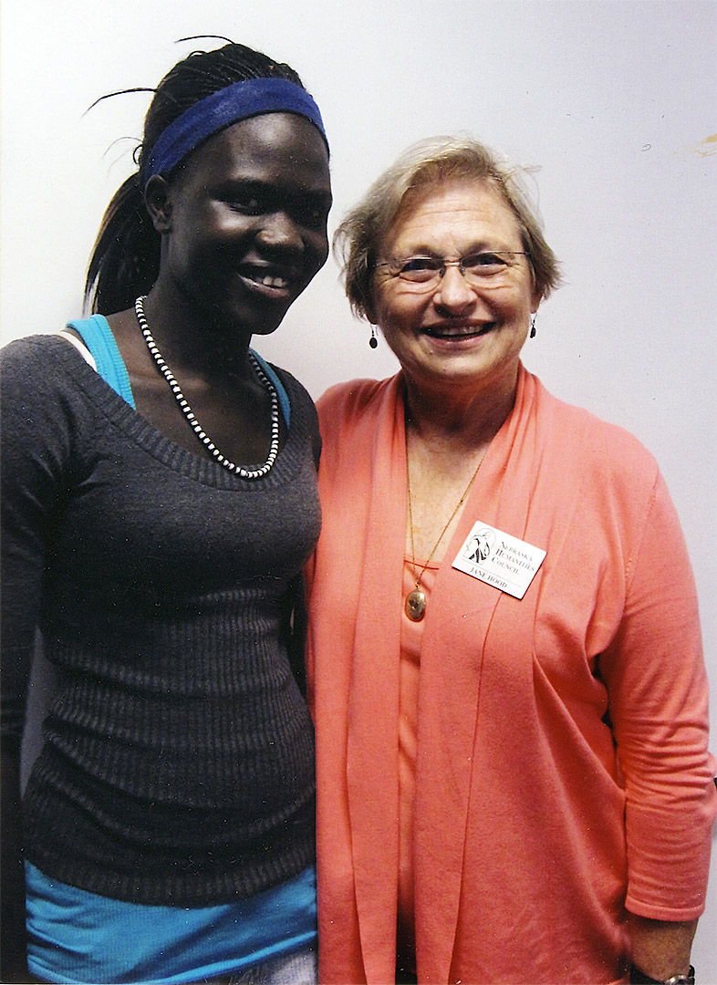 Young quilter Nyapal Chuol and Jane Hood, Nebraska Humanities Council. Courtesy Peggie Hartwell